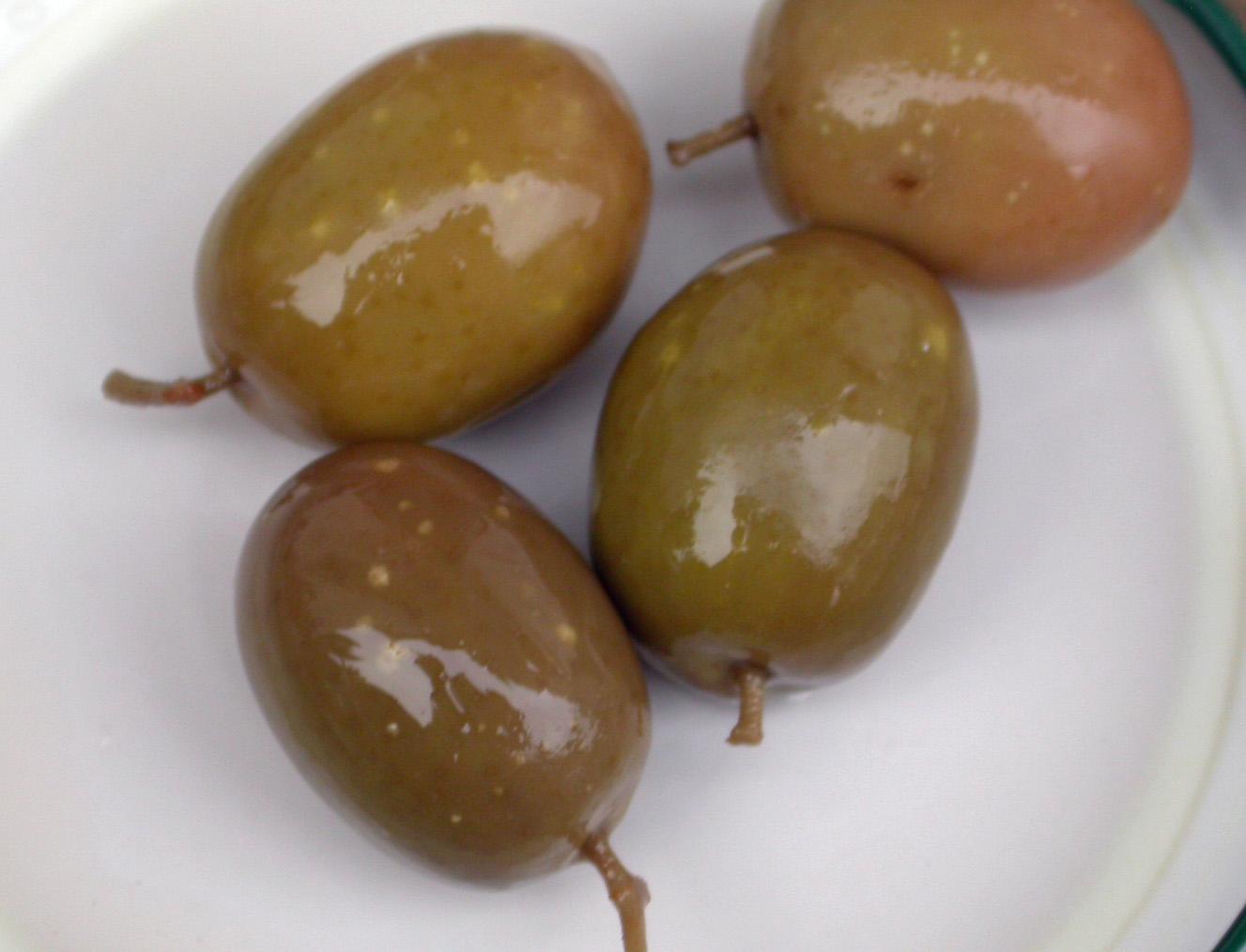Aceitunas, manchas circulares blanca